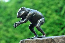 """Frosch """"Nobse"""" beim Köpfer in Bronze Teichfigur"""