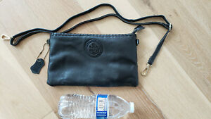 tory burch black slim envelope wallet