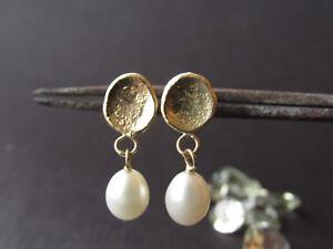 pearl earrings. 14k yellow gold delicate earrings with white pearl. Handmade