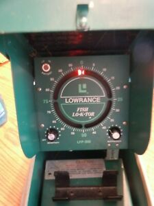 Vintage LOWRANCE FISH LO-K-TOR LFP-300 Depth Finder Green Box/Powers On