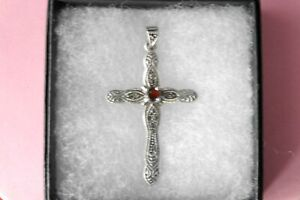 Beautiful 925 Silver Cross With Marcasite And Garnet 4.5 Gr. 5.3 x 3 Cm. Wide
