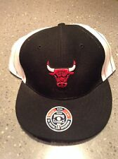 CHICAGO BULLS Cap Hat Hardwood Classics 7 3/4 NBA Fitted BLACK red pinstripe