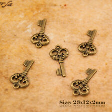 10 Antique Vintage Style Bronze Small Key Charms Pendant 005