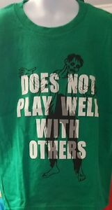 Boys T-Shirt Graphic Tee Green Zombie Does Not Play Well With Others Med 8 NEW