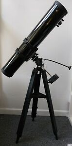 Simmons 450 Power Equatorial Mount Telescope With Interchangeable Eyepieces
