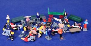 Large Lot of  HO Scale People & Accessories Figures