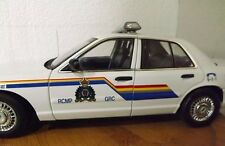 1/18 POLICE: Autoart ORIGINAL RCMP Ford Crown Victoria (no box)