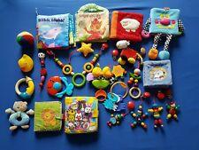 Babyspielzeug großes Paket Fühlbücher, Mobile, Rassel Kinderwagenkette