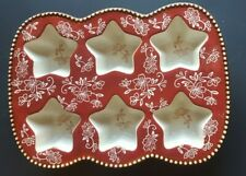 Temptations Bakeware Ceramic Muffin Pan Star  Red Floral Lace Old World