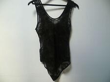 Body à bretelles tout en dentelle noire transparent à enfiler. Taille 36