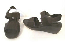 Donald J Pliner Nona S1 Sandals Shoes sz 9 M Brown Leather Elastic Straps Wedge