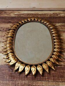 Goldener Sonnenspiegel Metall Blätter Midcentury oval ca. 65 x 45 cm 60er Jahre