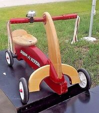 RADIO FLYER TRICYCLE TRIKE RED KIDS TODDLER WOODEN RIDING TOY