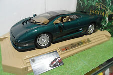JAGUAR XJ220 vert de 1992 au 1/12 MAISTO 33201 voiture miniature