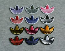 1.2in*0.9in/3cm*2.2cm Different Color Embroidered Iron On Patch Logo Emblem