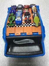 Hot Wheels Caja De Almacenamiento & Racing batalla con 8 coches (tiene capacidad para 20 coches)