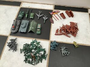 Job Lot bundle of mixed Plastic Army toy Military Tanks Trucks vehicles Soldiers