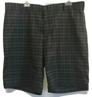 Nike Golf Dri Fit Shorts Mens Size 38 Flat Front Charcoal Gray Plaid Excellent