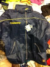 UMBRO PRO TRAINING   rain  in med 38/40 AT £15 ZIP FRONT  navy/yellow