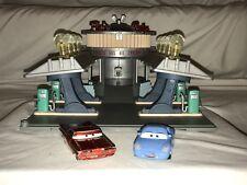 DISNEY PIXAR CARS FLO'S V8 CAFE LIGHT UP MATTEL RADIATOR SPRINGS TOY PLUS 2 CARS