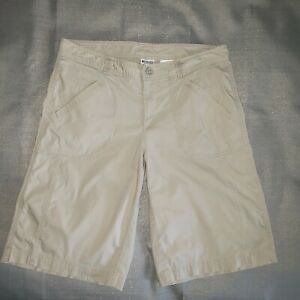 Columbia Casual Hiking Cream Color Bermuda Shorts Wms size 10  FAST SHIPPING!!