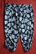Autograph B & W SOFT PANTS. Quality. CAPRI LENGTH. Size 16. NEW rrp$59.99