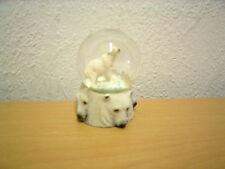 "Kleine Schneekugel ""Eisbär"" (Kunstharz/Glas) / Small Snow Globe ""Polar Bear"""