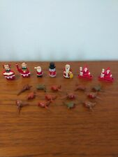 VINTAGE CHRISTMAS CAKE DECORATIONS