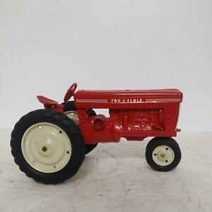 1/16 Carter Vintage Tru-Scale Tractor Repaint