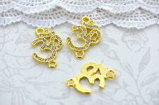 GC945 12 Honeycomb Connector Charms Gold Tone