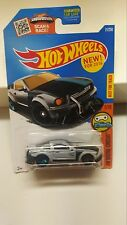 HOT WHEELS 2016   DIGITAL CIRCUIT  2005 FORD MUSTANG  (GRAY) 21/250 and 1/10