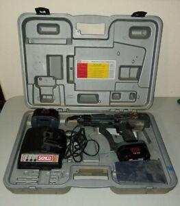 Senco DuraSpin DS202-14v Battery Powered Screw Gun with Case