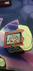 Disney Vacation Club Limited Edition Pin 2013 | Chip And Dale, Goofy