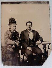 FERROTYPE PHOTO jeune couple chapeau à plumes sac à perles beau noeud cravate