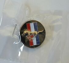 FORD RED WHITE & BLUE MUSTANG HORSE CAR AUTOMOBILE  LAPEL PIN BADGE