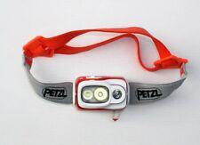 Cabeza roja de base E099GA01 de Actik con batería y cargador 450 lúmenes de la lámpara PETZL nuevo M