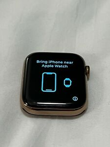Apple Watch Series 4 44 mm Gold Stainless Steel Stone Band Cellular - Excellent