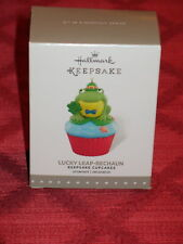 HALLMARK 2016 ORNAMENT LUCKY LEAP-RECHAUN KEEPSAKE CUPCAKES NEW FROG