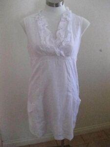 Ladies White CAPTURE Sleeveless Dress Size 10