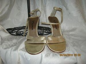 Nina Women Gold Sandals 6.5