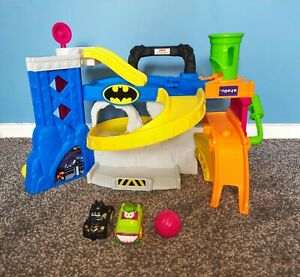 Rare Fisher Price Little People Batman And Joker Race Track - GREAT CONDITION