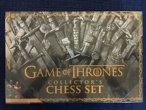 Game of Thrones Collector's Chess Set - Usaopoly HBO - White Walkers vs Westeros