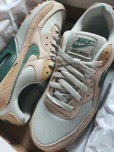 Air Max 90 Nike PRM Mens PLU Size 8 Tan Green New With Box
