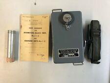 US Army Vietnam Korea NOS Strahlendosimeter + Charger + Manual