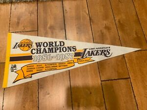 """Vintage LOS ANGELES LAKERS 1986-1987 TEAM ROSTER CHAMPIONSHIP Pennant 30"""""""