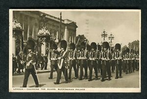 Posted 1942 Changing the Guard, Buckingham Palace, London
