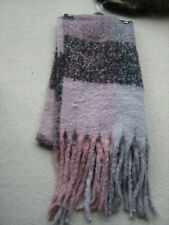 LARGE SOFT FLEECY SCARF - UNBRANDED, BELIEVED TO BE NEW