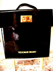 Victoria's Secret Black Patent Leather Jewelry Cosmetic Travel Case