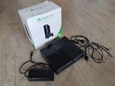 Spielekonsole Xbox360 E 250GB/Go mit 2 Controllern und 7 Spielen