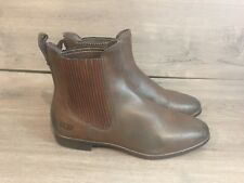 NWOB!Women's Ugg Ankle Boots. Size 7. Brown Leather. Elastic Pull On